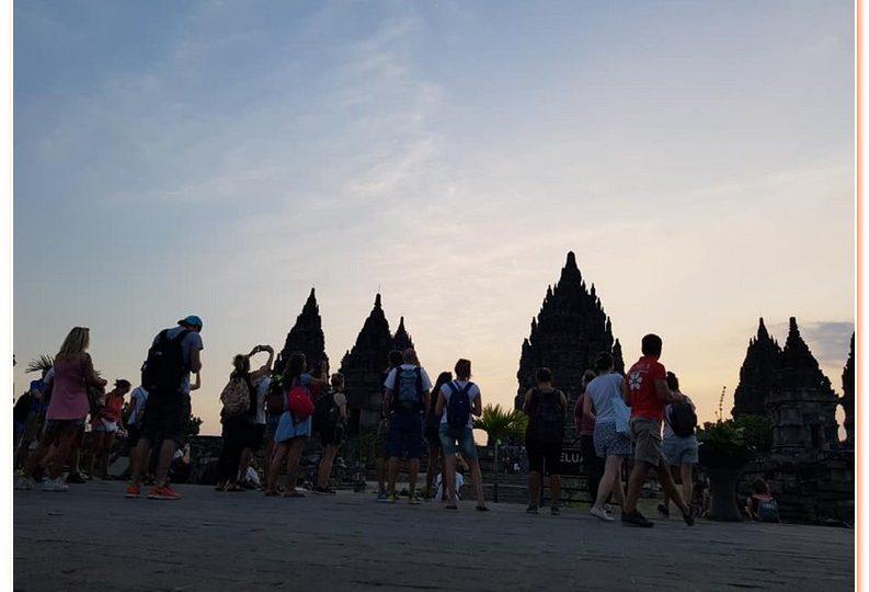 Jogja City Tour - Borobudur - Prambanan