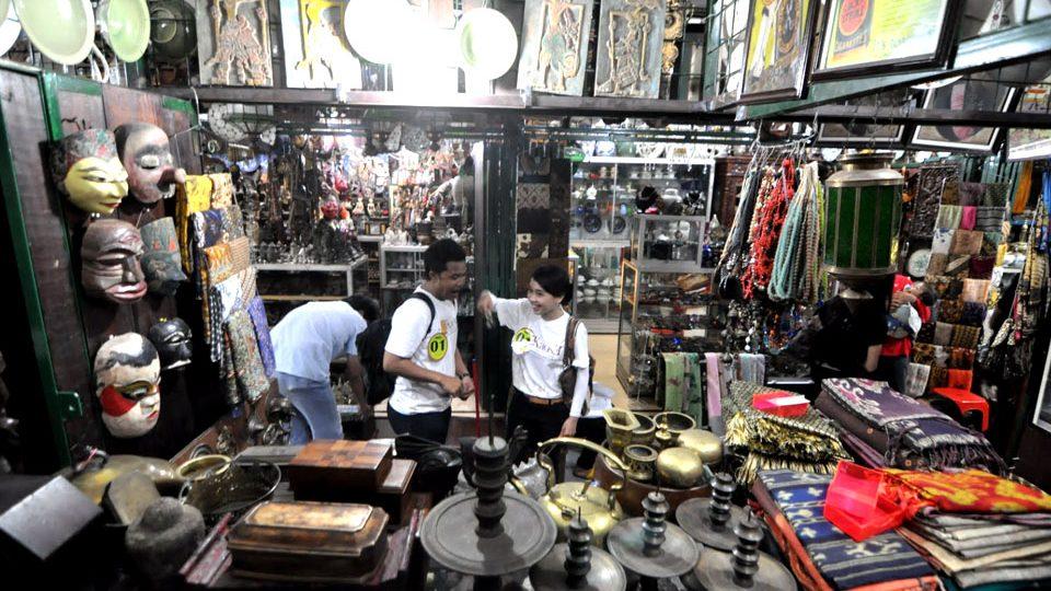 Triwindhu Antique Market Solo