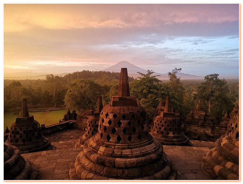 Sunrise Borobudur Favourite Tours