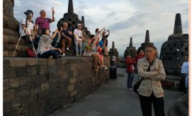 The Manohara Sunrise Tour offers access to the Borobudur Temple