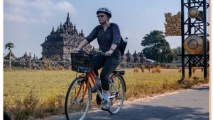 Prambanan Cycling Tour and exploring the most beautiful hindu temple also riding bicycle to nearby village.
